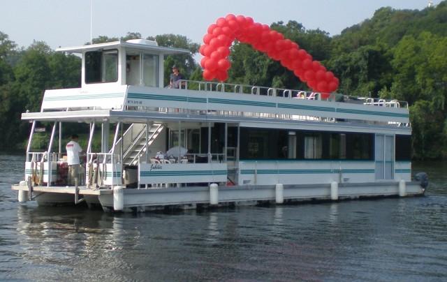 Lake austin boat rental with driver